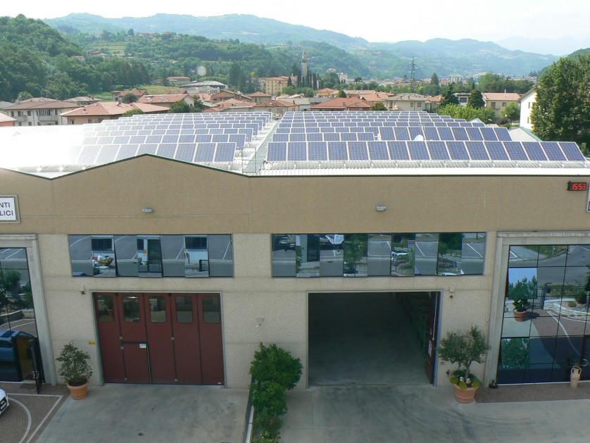 particolare-impianto-fotovoltaico.jpg